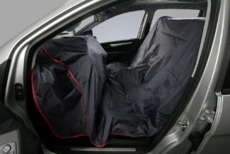 Nylonový ochranný povlak na obě přední sedadla a přístrojovou desku